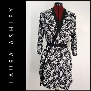 Laura Ashley woman wrap stretch dress size medium